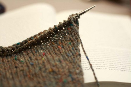 read-while-knitting_resized