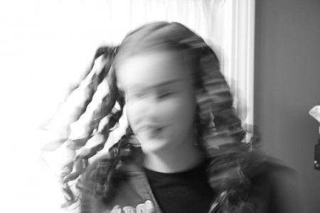 hannah-with-extra-blurry-curls