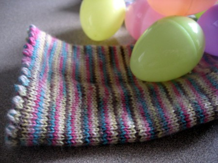 easter-egg-socks-picot-edge