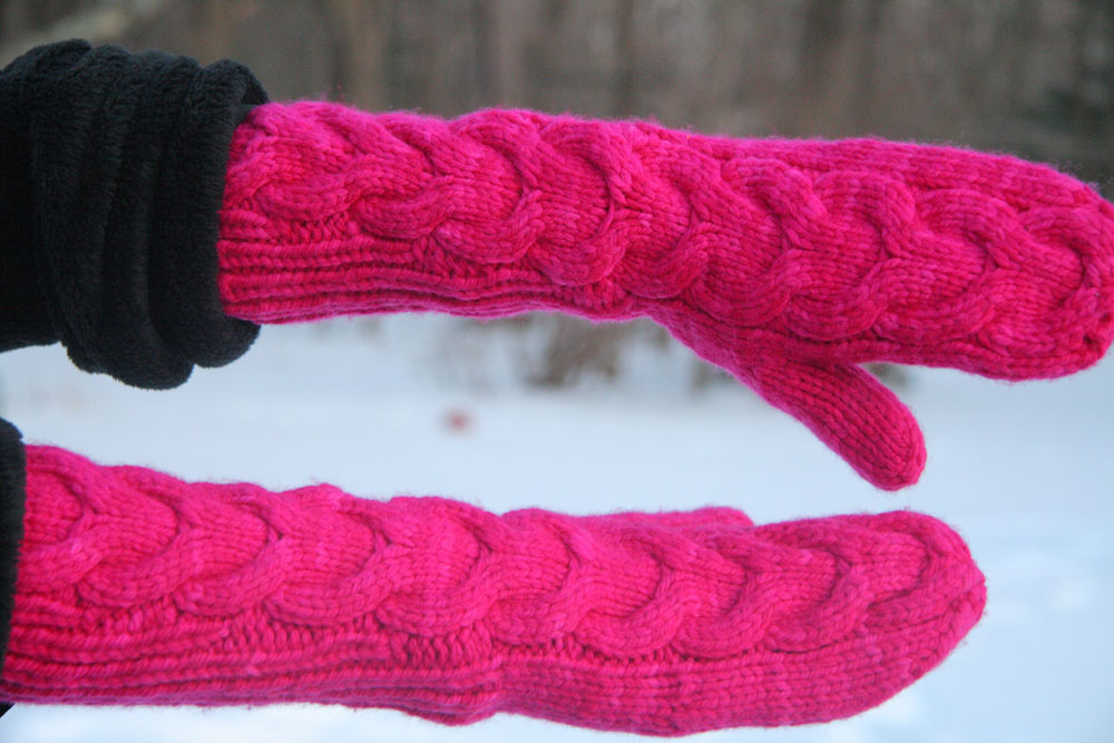 Knitting Pattern For Bella Mittens : Bella s Mittens