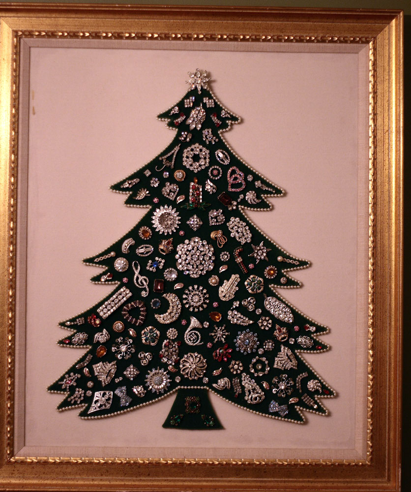 Vintage Rhinestone Jewelry Christmas Tree Framed Art | Vintage ...