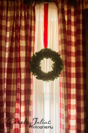 boxwood wreath in window for carole knits