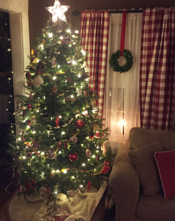 tree-white-lights-for-carole-knits