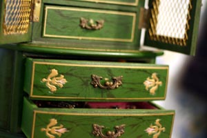 jewelry_box_open_drawers.jpg